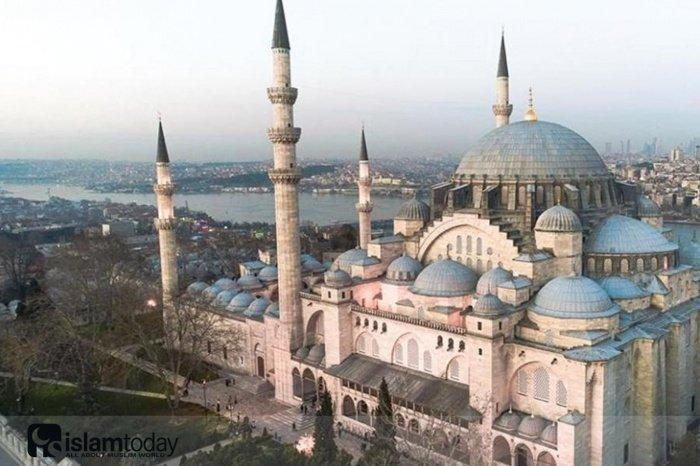 Мавзолеи комплекса Сулеймание в Стамбуле