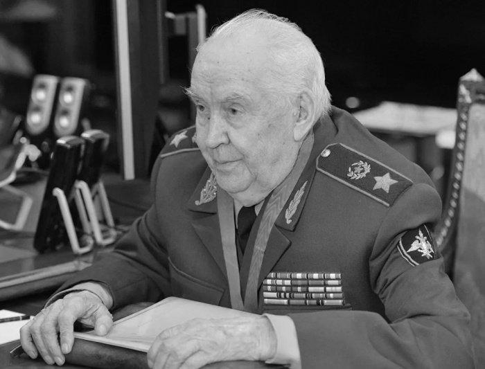 Махмут Гареев.