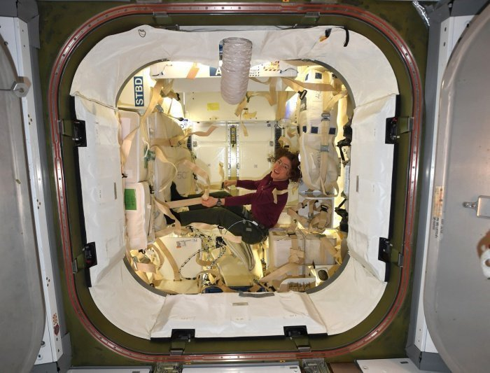 На момент возвращения на Землю у Кук будет 330 дней пребывания в космосе (Фото: Twitter/@Astro_Christina)