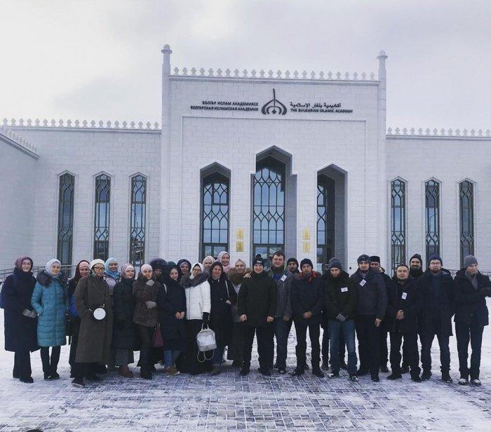 Форум собрал 40 мусульман в возрасте от 30 до 40 лет из Татарстана, Москвы, Челябинска, Уфы, Оренбурга, Ульяновска и других городов