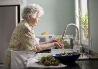 Стало известно, как нужно питаться пожилым людям