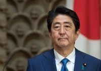 Синдзо Абэ не будет откладывать турне по Ближнему Востоку