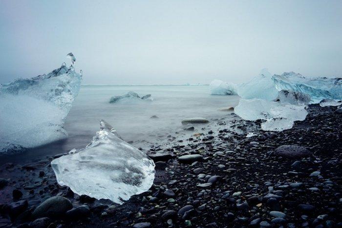 Наличие антарктического ледяного покрова и относительно медленное выделение углекислого газа при этом минимизировали масштабы изменения окружающей среды и отрицательные последствия для морской жизни