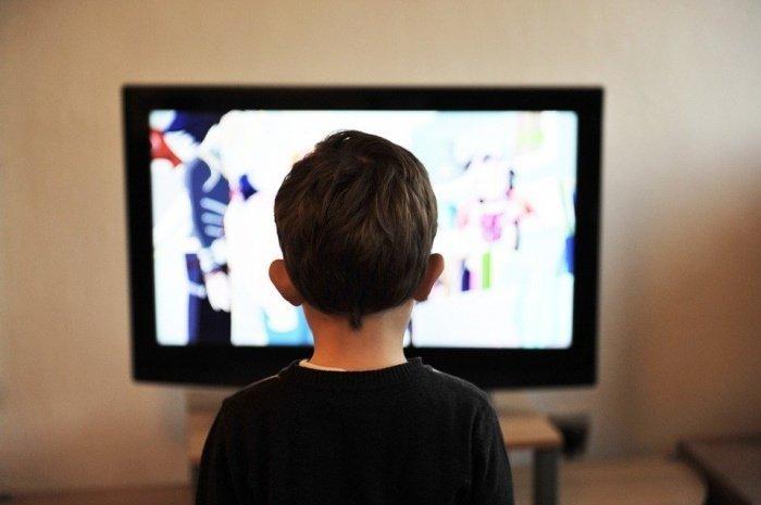 Родителям рекомендуется следить также и за тем, что смотрят их дети