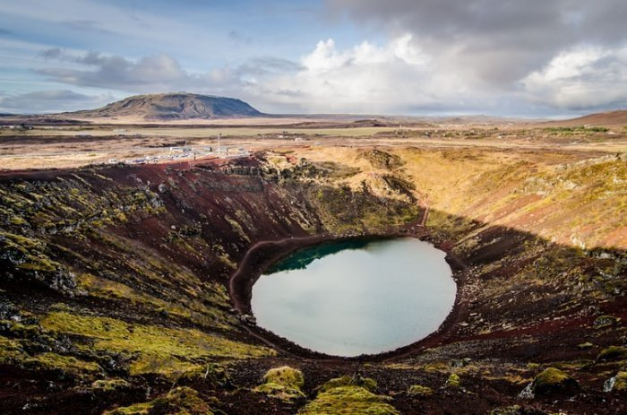 Затерянный громадный кратер находился в вулканическом поле юго-восточной части Лаоса (юго-восточная Азия)