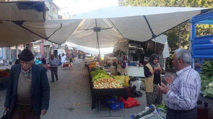 Милая традиция, без которой уже пол века не начинают торговлю в Турции