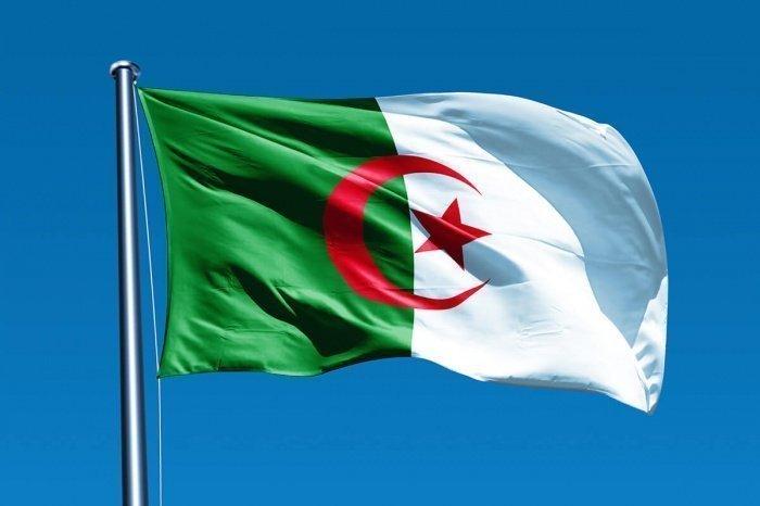 Алжир регулярно выступает с инициативами, нацеленными на преодоление кризиса в Ливии.