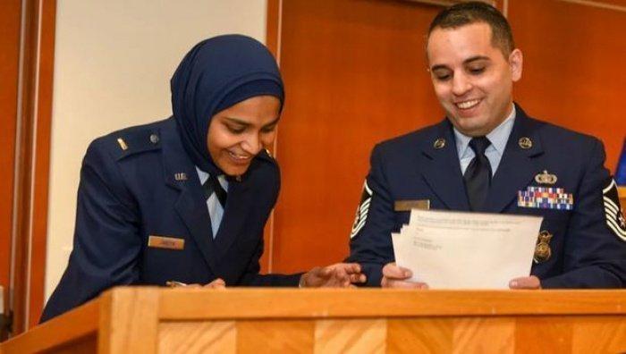 Салиха Джабин стала первым мусульманским капелланом-женщиной.
