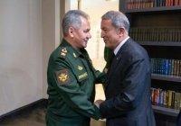 Министры обороны России и Турции обсудили Ближний Восток