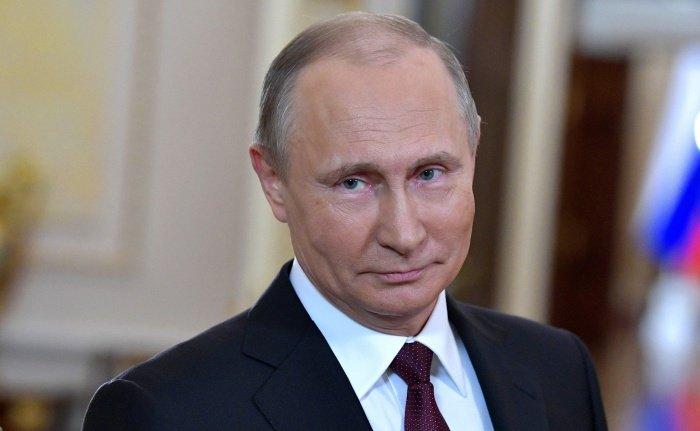 В Кремле рассказали о графике президента в ближайшие дни.