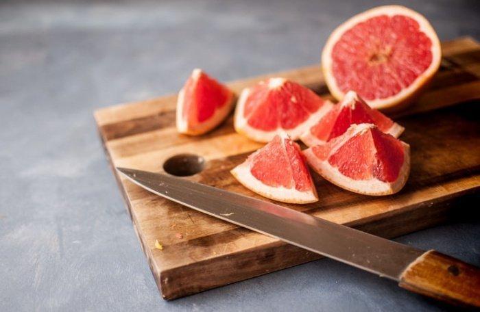 Максимальная доза грейпфрута - 200-250 граммов 2-3 раза в неделю