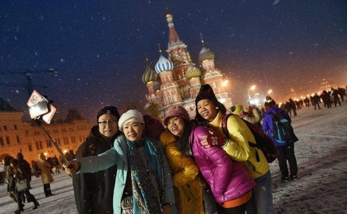 Стало известно число иностраннх туристов в России в 2019 году.
