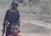 Восьмилетний ребенок из ИГИЛ казнил нигерийца