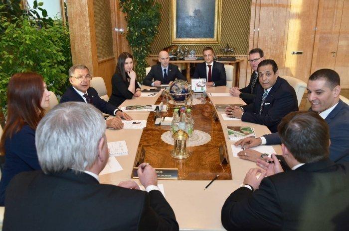Встреча прошла в Доме правительства РТ.