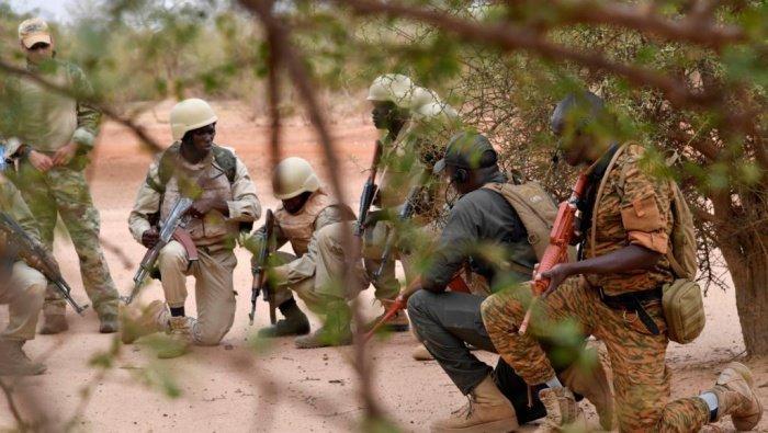 В Буркина-Фасо продолжается операция против боевиков.