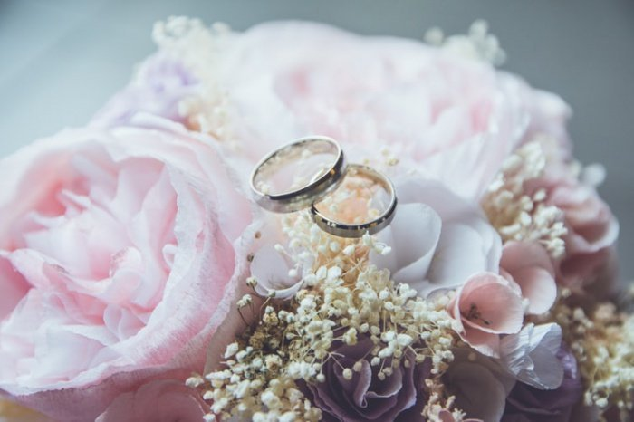 В Омской области в минувшем году в зрелом возрасте (75 и более лет) вступили в брак 38 мужчин и 13 женщин