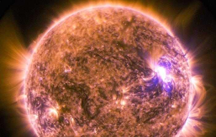 Телескоп DKIST может получать фотографии поверхности Солнца с качеством, необходимым для раскрытия всех самых значимых тайн светила (Фото: NASA/SDO)