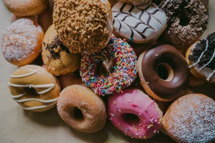 Со временем вкусовые рецепторы человека привыкают к отсутствию сахара, и привычные десерты тогда кажутся слишком сладкими