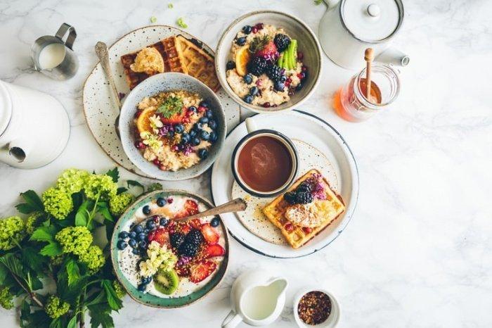 При этом люди, которые вообще игнорируют завтрак, чаще страдают от лишнего веса