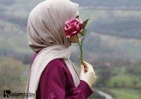 Арабское имя, которое в переводе означает «лучезарный цветок»