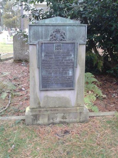 Могильный камень лорда Хедли на кладбище Бруквуд. Недалеко от городка Уокинг, графство Суррей