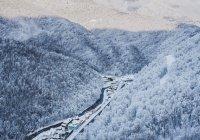 Синоптики сообщили о сильнейшем снегопаде в горах Сочи