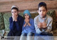 Без отца, без кормильца, без опоры... Сбор для семьи погибшего имама