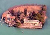 Италия продает целый остров в Венецианской лагуне