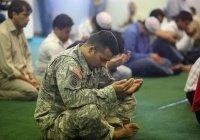 В США военным пилотам разрешили хиджаб и бороду