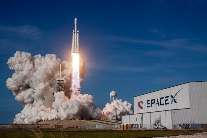 На высоте, достигающей экзосферы, за 5 суток полета туристы получат дозу в 50 раз большую, чем космонавты на МКС