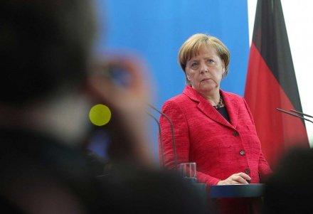 Меркель заявила о расистских мотивах террориста из Ханау
