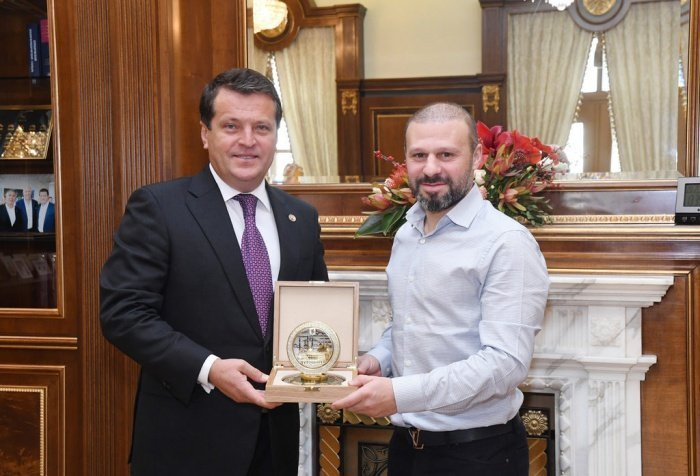 Метшин и Карадениз встретились в мэрии Казани.
