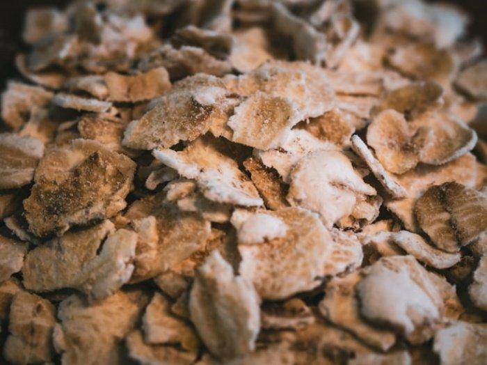 В числе других полезных продуктов чеснок, льняное масло, лук, лимоны
