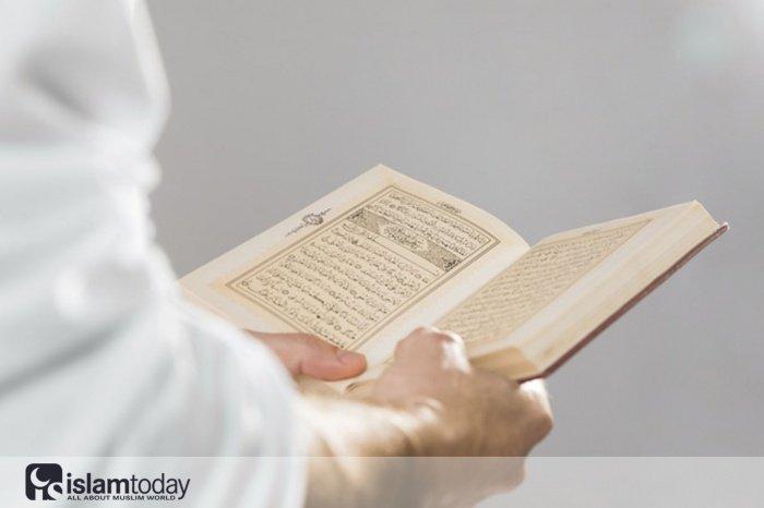 3 намерения при чтении Корана, которые могут вывести вас из ислама. (Источник фото: freepik.com)