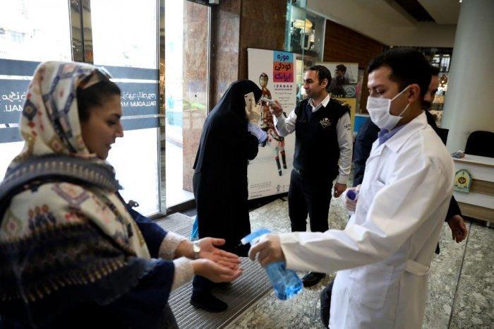 В Иране продолжает расти число заразившихся коронавирусом.