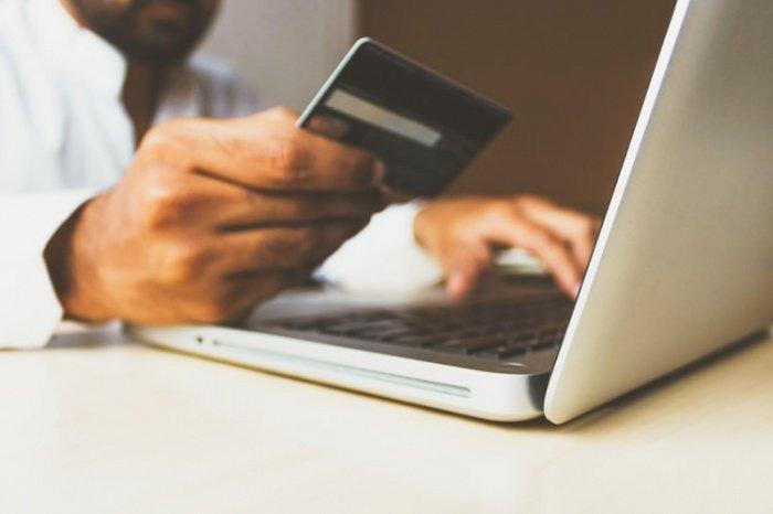 Исследование базируется на данных сравнения количества переходов пользователей в интернет-магазины