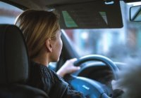 В России стало в 7 раз больше женщин-водителей