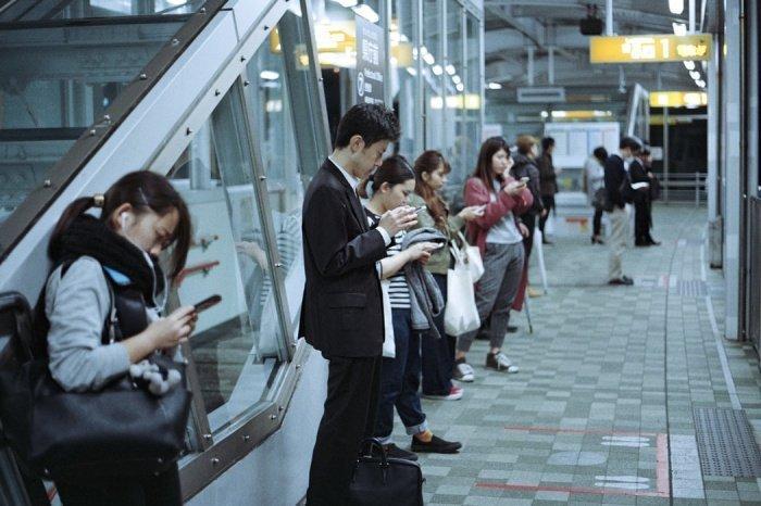 В выходные дни смартфон рекомендуется вообще отключить на сутки или хотя бы на несколько часов