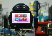 В Таиланде за пациентами с коронавирусом ухаживают роботы