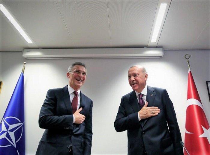 Эрдоган на встрече с генсеком НАТО 10 марта.