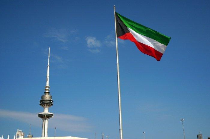 Власти Кувейта отправили на каникулы государственные учреждения.