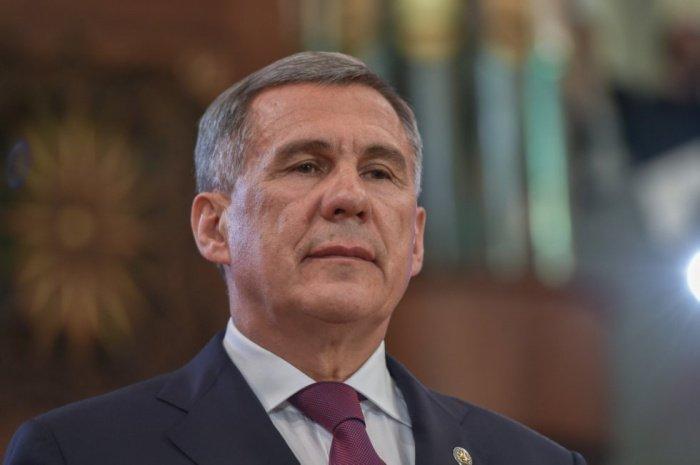Рустам Минниханов распорядился об отмене заграничных командировок.