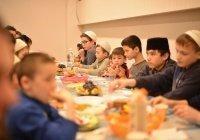 БФ «Закят» ДУМ РТ провел благотворительный ифтар для нуждающихся