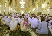 В мечетях Саудовской Аравии запретили коллективные намазы