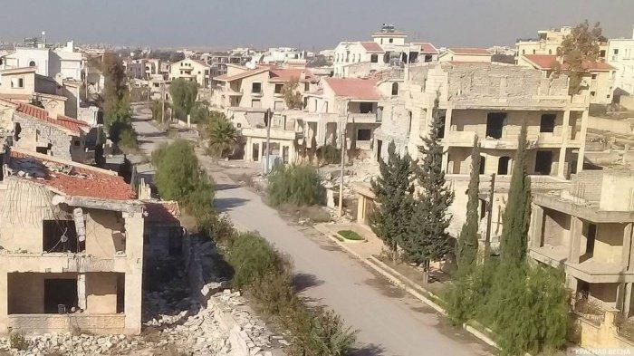 В сирийский Алеппо возвращается мирная жизнь.