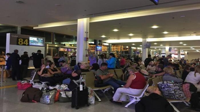 Российские туристы не могут вернуться из ОАЭ.