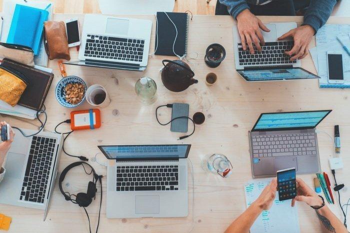 Новый формат работы, по словам эксперта, потребует не только появления новых специалистов на рынке, но также и новых компетенций от представителей «старых» профессий
