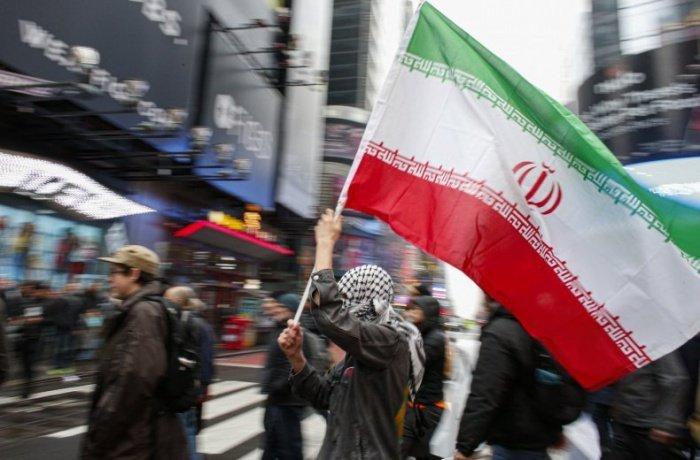 Кампания против антииранских санкций набрала 100 тысяч подписей.