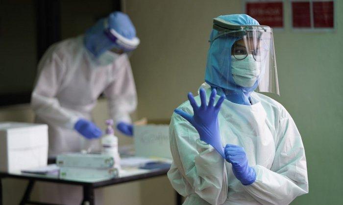 Первый врач скончался в Египте от коронавируса.