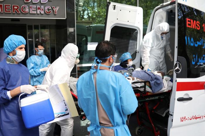 В Иране продолжает расти смертность от коронавируса.